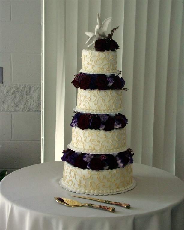 [تصویر:  wedding-cake-pictures-9.jpg]